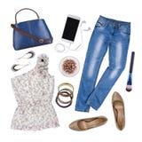 Collage dei vestiti e degli accessori di estate della donna isolati su bianco Immagini Stock Libere da Diritti