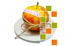 Collage del cerco de la manzana de la cinta métrica atado con la guita w Foto de archivo