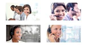 Collage del equipo de la ayuda del servicio de atención al cliente en centro de atención telefónica imagenes de archivo