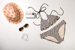 Collage dell'abbigliamento e degli accessori della donna isolati su bianco Fotografie Stock