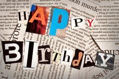 Collage di buon compleanno con le lettere della rivista e del giornale Fotografia Stock
