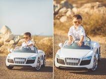Collage, ein kleiner Junge, zum mit dem Auto zu reisen Lizenzfreie Stockbilder