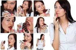 Collage, jeunes femmes de brune mangeant des bonbons au chocolat image stock