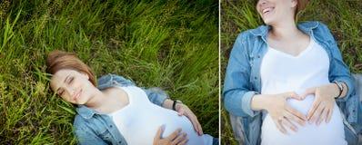 collage Le den lyckliga gravida kvinnan som ligger på gräset Royaltyfri Bild