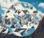 Collage med berglandskapet och den sakrala yantraen för geometrisymbolshri royaltyfri foto