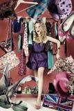 Collage met vrouw in de winkel Stock Fotografie