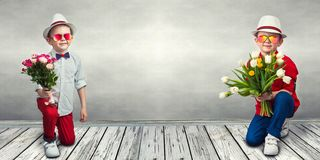 collage Modieuze jongen met een boeket van bloemen royalty-vrije stock foto