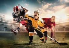 Collage multi de los deportes sobre jugadores del hockey sobre hielo, del fútbol y de fútbol americano en el estadio imagenes de archivo