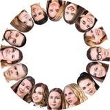 Collage van verschillende mensen in cirkel stock afbeeldingen