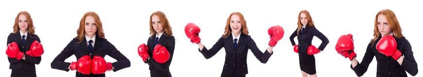 Collaget av kvinnaaffärskvinnan med boxninghandskar på vit Arkivbilder