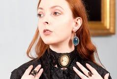 Collana bionda veneziana d'annata della ragazza Fotografia Stock Libera da Diritti