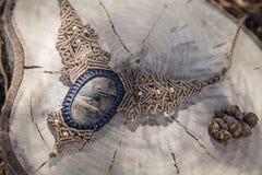 Collana del macramè con la pietra preziosa minerale naturale immagine stock