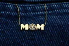 Collana della mamma Fotografie Stock Libere da Diritti