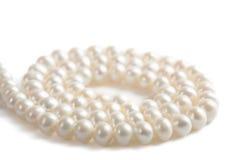 Collana della perla isolata Fotografie Stock Libere da Diritti