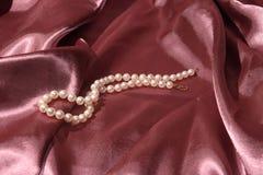 Collana della perla per voi Fotografie Stock Libere da Diritti