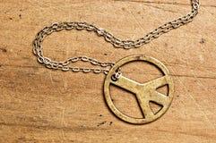 Collana di simbolo di pace. fotografia stock