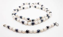 Collana e braccialetto della perla Immagini Stock