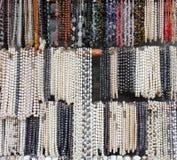 Collane delle perle e delle pietre semipreziose Fotografia Stock Libera da Diritti