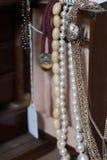 Collane in scatola di jewlery Fotografia Stock Libera da Diritti