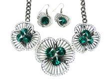 Collar con los cristales brillantes joyería y pendientes Foto de archivo libre de regalías