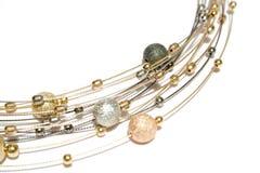 Collar de las perlas del oro y de la plata imágenes de archivo libres de regalías