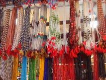 Collar de madera étnico colorido de las gotas Fotos de archivo libres de regalías
