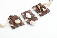 Collar de madera hecho a mano Fotos de archivo libres de regalías