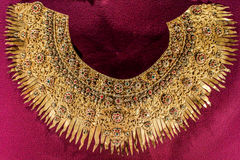 Collar del oro antiguo Fotos de archivo