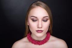 Collar del rojo de Corall Fotos de archivo