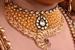 Collar nupcial del oro Imagen de archivo libre de regalías