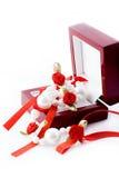 Collares de perlas con una rosa Foto de archivo libre de regalías