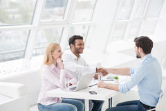 Colleagues shaking hands Royalty Free Stock Photos