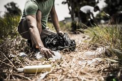 Collecting litter Royalty Free Stock Photos