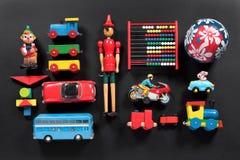 Collection colorée de jouets mignons de vintage Image stock