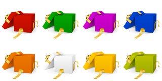 Collection colorée différente de boîte-cadeau du vecteur 3D avec Ribb d'or illustration de vecteur