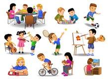 Collection d'enfants faisant des activités d'école différente et de temps libre illustration de vecteur