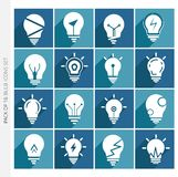 Collection d'icônes d'ampoule avec l'ombre dans le style plat à la mode d'isolement sur le fond coloré photos libres de droits