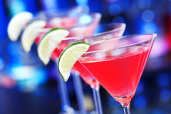 Collection de cocktail - cosmopolite sur une barre Images libres de droits