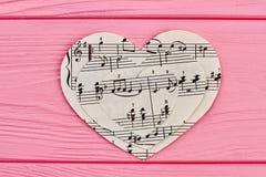 Collection de coeurs de papier avec les notes musicales Photographie stock libre de droits