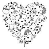 Collection de contour irlandais de symboles Fond de forme de coeur Photographie stock libre de droits
