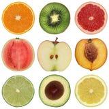 Collection de fruits coupés en tranches sains Photo stock