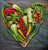 Collection de légumes frais dans la forme de coeur Photographie stock libre de droits