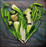 Collection de légumes frais dans la forme de coeur Image stock
