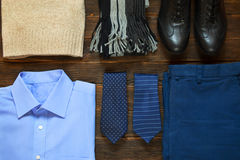 Collection de l'habillement d'hommes modernes d'affaires pour le voyage d'affaires photos libres de droits
