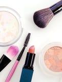 Collection de maquillage et isolat professionnels d'outils sur le blanc Images libres de droits