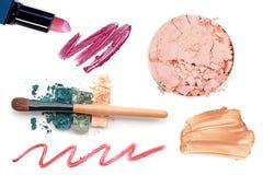 Collection de maquillage et isolat professionnels d'outils sur le blanc Image stock