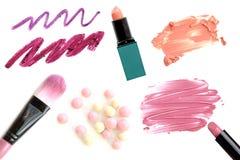 Collection de maquillage et isolat professionnels d'outils sur le blanc Photos stock