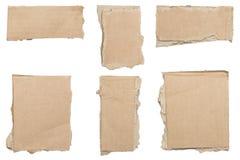 Collection de morceaux bruns déchirés de carton, aucune ombres image libre de droits