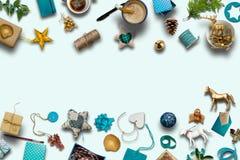Collection de Noël, cadeaux et ornements décoratifs bleus Phot Photographie stock libre de droits