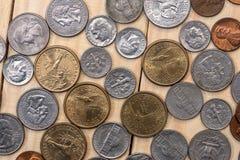 Collection de pièces de monnaie d'argent liquide photographie stock libre de droits